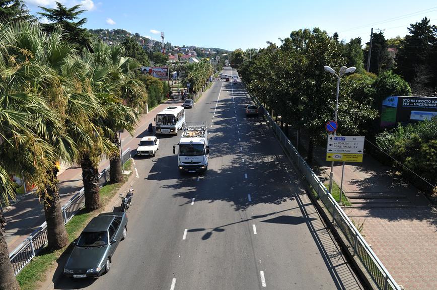 Вид на трассу в сторону Адлера