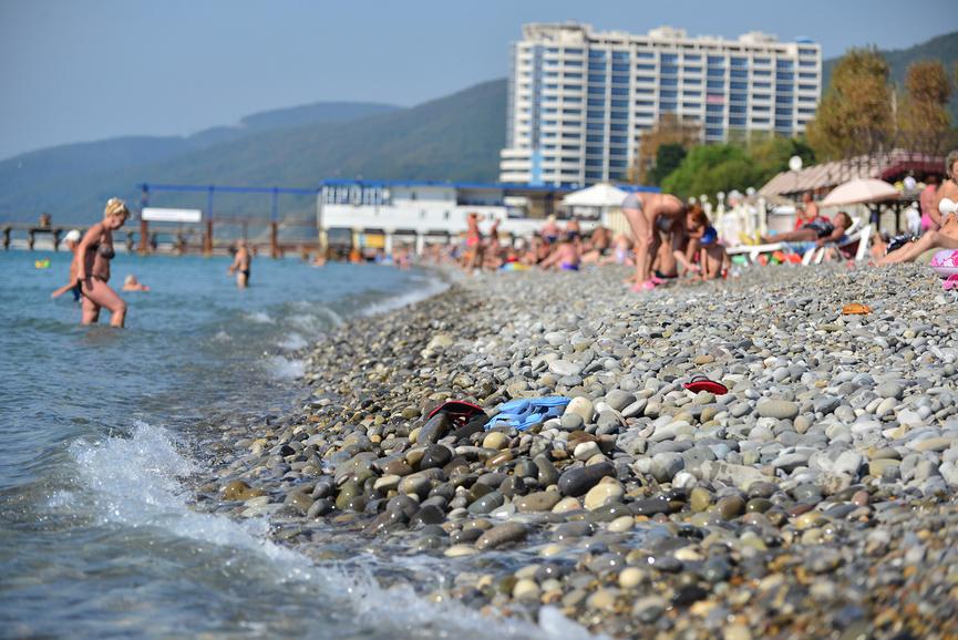 Галька на центральном пляже Лазаревское