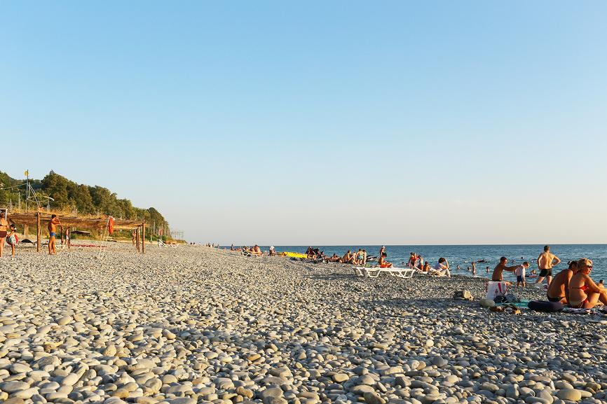 Пляж курортного поселка Каткова Щель