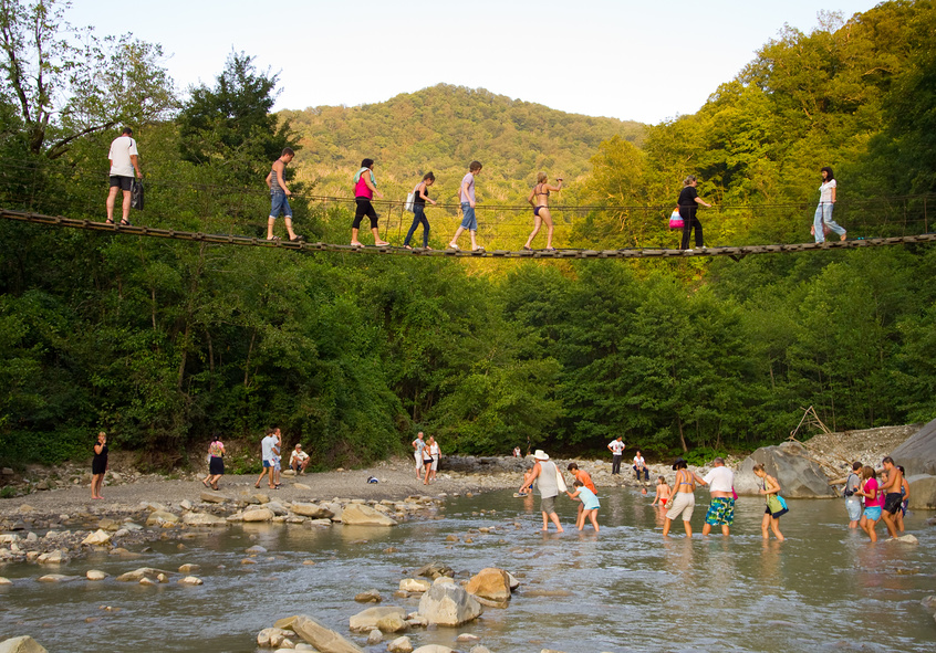 Мост в долине реки Аше