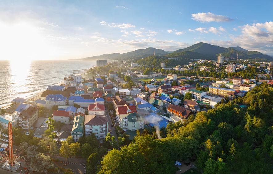 красивый вид на поселок Лазаревское сверху